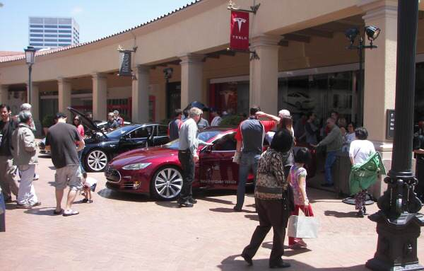 tesla-model-s-event-subitie