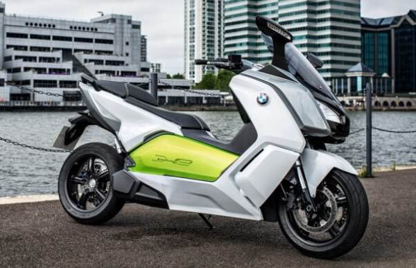 bmw-c-electric-scooter-out