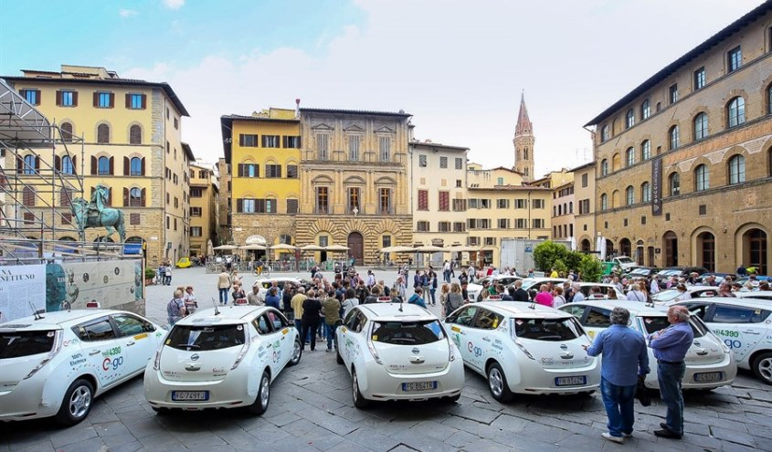 nissan_leaf_electric_taxis_florence