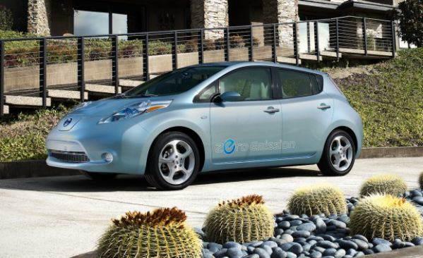 2011_nissan_leaf_13_cd_gallery
