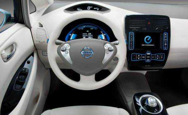2011_nissan_leaf_38_cd_gallery